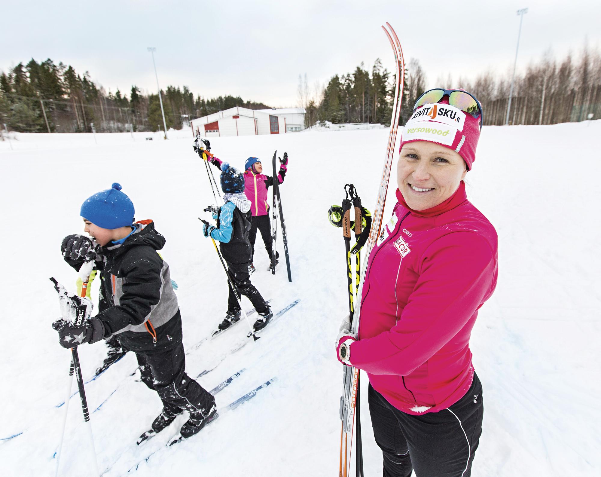 Aino-Kaisa Saarinen kansainvälinen hiihtokoulu