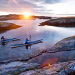 Göteborgin saaristo tarjoaa runsaasti koettavaa aina hummerisafareista melontaretkiin. Kajakkeja voi vuokrata monesta paikasta keskustan kanavien varrelta.