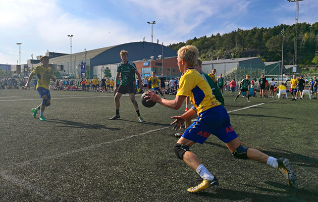Kvibergissä mitellään maailman suurimmassa ulkona pelattavassa käsipalloturnauksessa