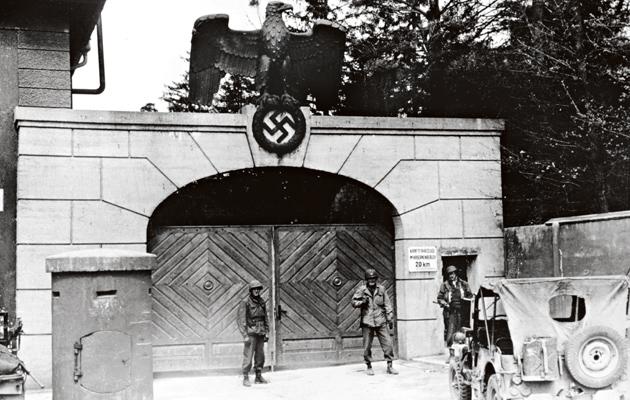 SS-upseerien koulutukseen kuului vierailu Dachaun keskitysleirillä