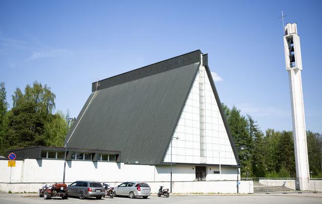 Valkeakoskelaisia järkyttää kirkon purkutuomio.