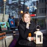"""Krista Lindgren on Syömishäiriöliitto SYLI ry:n kokemusasiantuntija. """"Avoimuus sairaudestani on auttanut itseäni paljon ja toivon, että se voi auttaa myös muita."""""""
