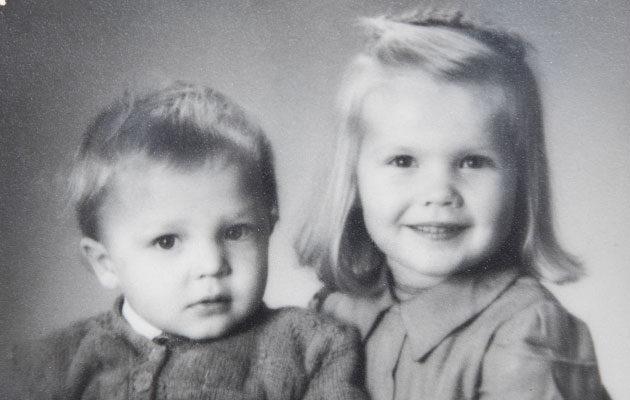 Sisarukset Pauli ja Ilse.