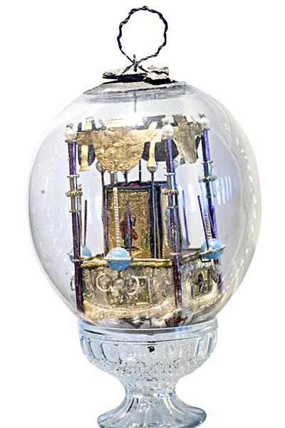 Loviisan ortodoksisesta kirkosta löytynyt lasipallo