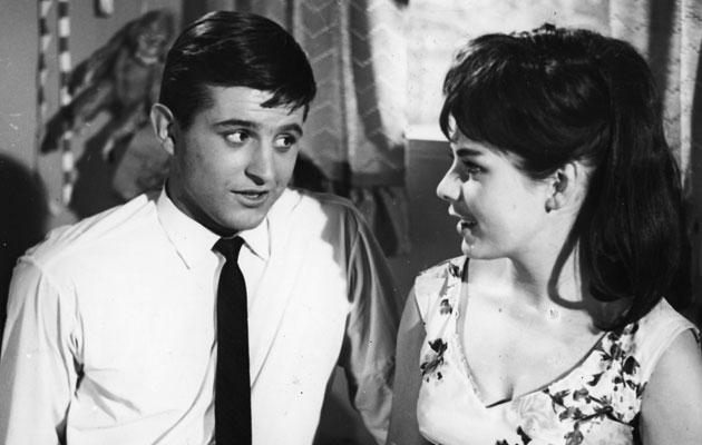 Pirkko Mannola ja Esko Salminen elokuvassa Tyttö ja hattu vuonna 1961.