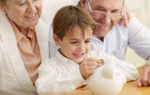 Miten säästän järkevästi lapsenlapselleni?