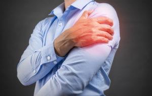 Onko jäätyneen olkapään hoitoon kotikonsteja?