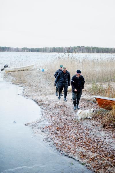 Veljet käyvät kalassa talvellakin.