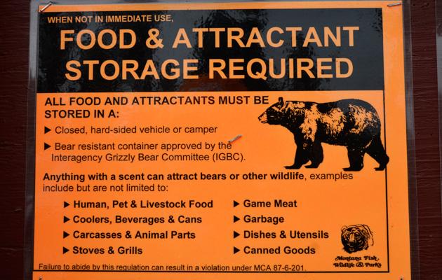 älä jätä eväitäsi karhujen ulottuville.