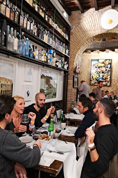 Rosciolin suvun Salumeria con cucina on kaupungin suosituimpia ravintoloita
