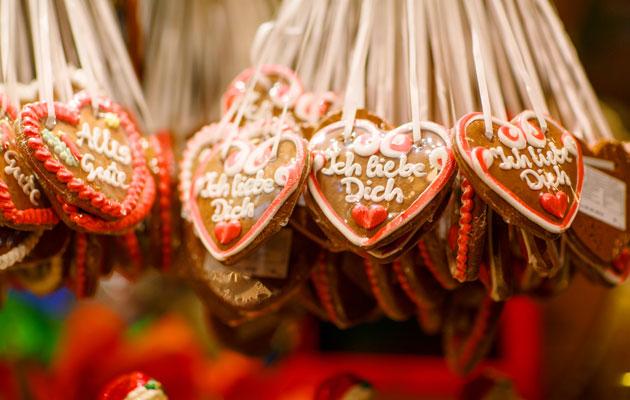 """""""Lebkuchen"""" eli saksalainen piparkakku on suosittu joulumarkkinoiden herkku."""