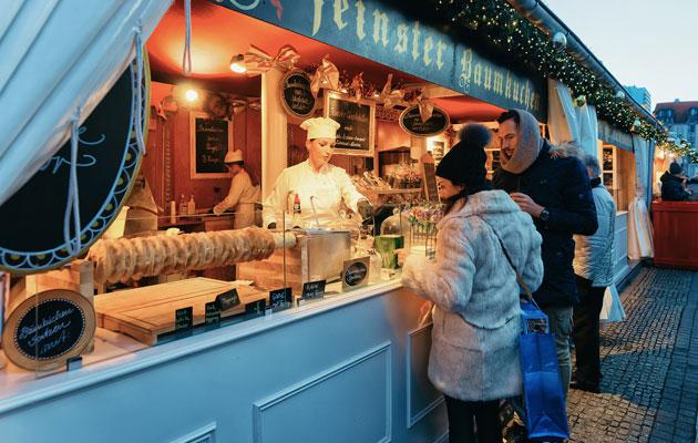 Lähes kaikki Berliinin joulumarkkinat ovat ilmaisia. Osa saattaa periä euron tai kahden pääsymaksun.
