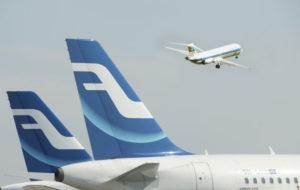 Muutaman kympin satsauksella olisi vaikutus lentopäästöihin, miksi se ei ole käytännössä mahdollista?