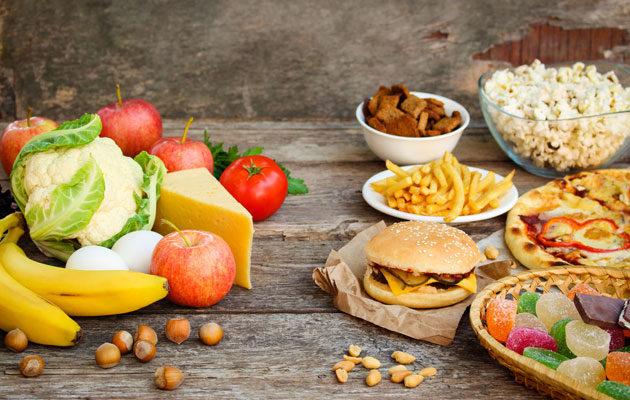 Ruokatottumukset voivat tuoda yllättävän paljon turhia kaloreita vuositasolla.