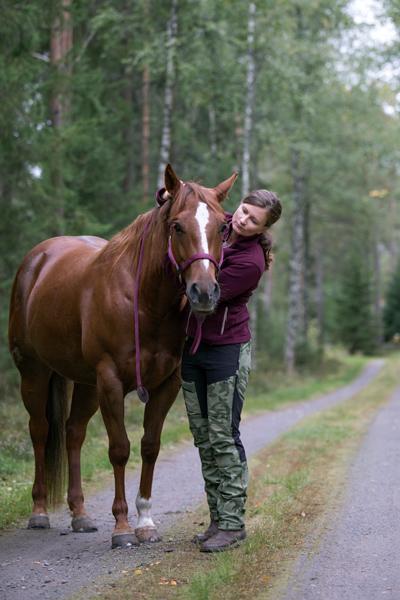Lilly-hevonen on ollut Annikalle parasta terapiaa