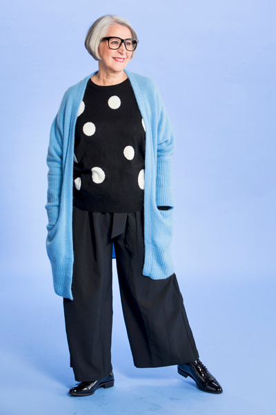 Anneli Halme, tyyli 5: Mustan piristäjä