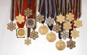 Matti Nykäsen rikollisten käsistä pelastettu mitalikokoelma avattiin yleisön nähtäville Urheilumuseossa 11. toukokuuta 1995.