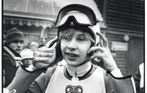 Matti Nykänen voitti Oslossa suurmäen MM-kultaa 18-vuotiaana.