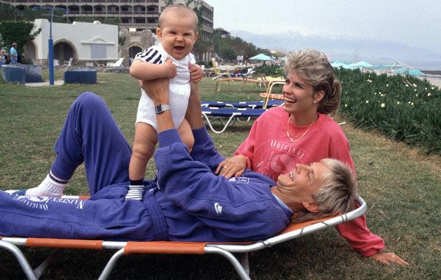 Vuonna 1988 Matti, Tiina ja Sami-vauva lomailivat Kreetalla.