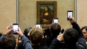 Leonardo da Vincin kohuttu Mona Lisa -teos on Louvre-museossa Pariisissa.