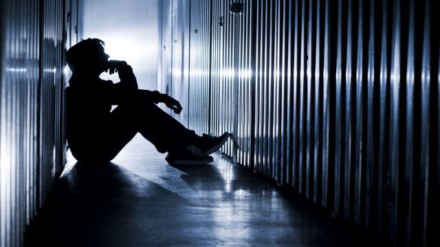 Nuorilla esiintyy paljon itsetuhoista ajattelua, joka pahimmassa tapauksessa johtaa itsemurhaan.