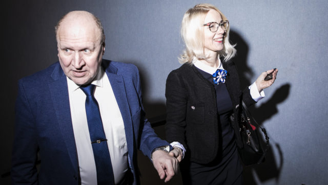 """Populistisen EKRE-puolueen puheenjohtaja Mart Helme on 69-vuotiaana poliittisen uransa huipulla. """"EKRE:n Helsingin osastolla on yhteys perussuomalalaisiin. Ennen EU-vaaleja tapaamme heitä konsultoidaksemme vaalisuunnitelmista"""", Helme kertoo Seuralle."""