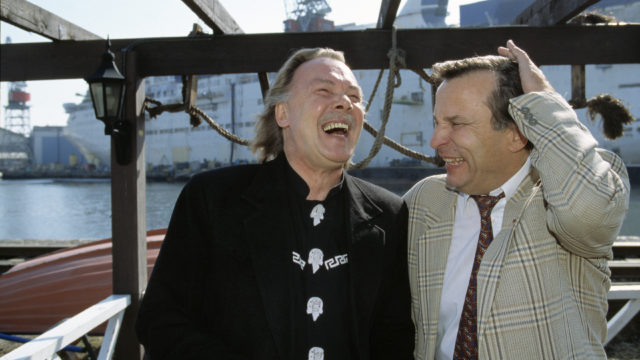 Laulajat Kari Tapio ja Reijo Taipale vuonna 1998.