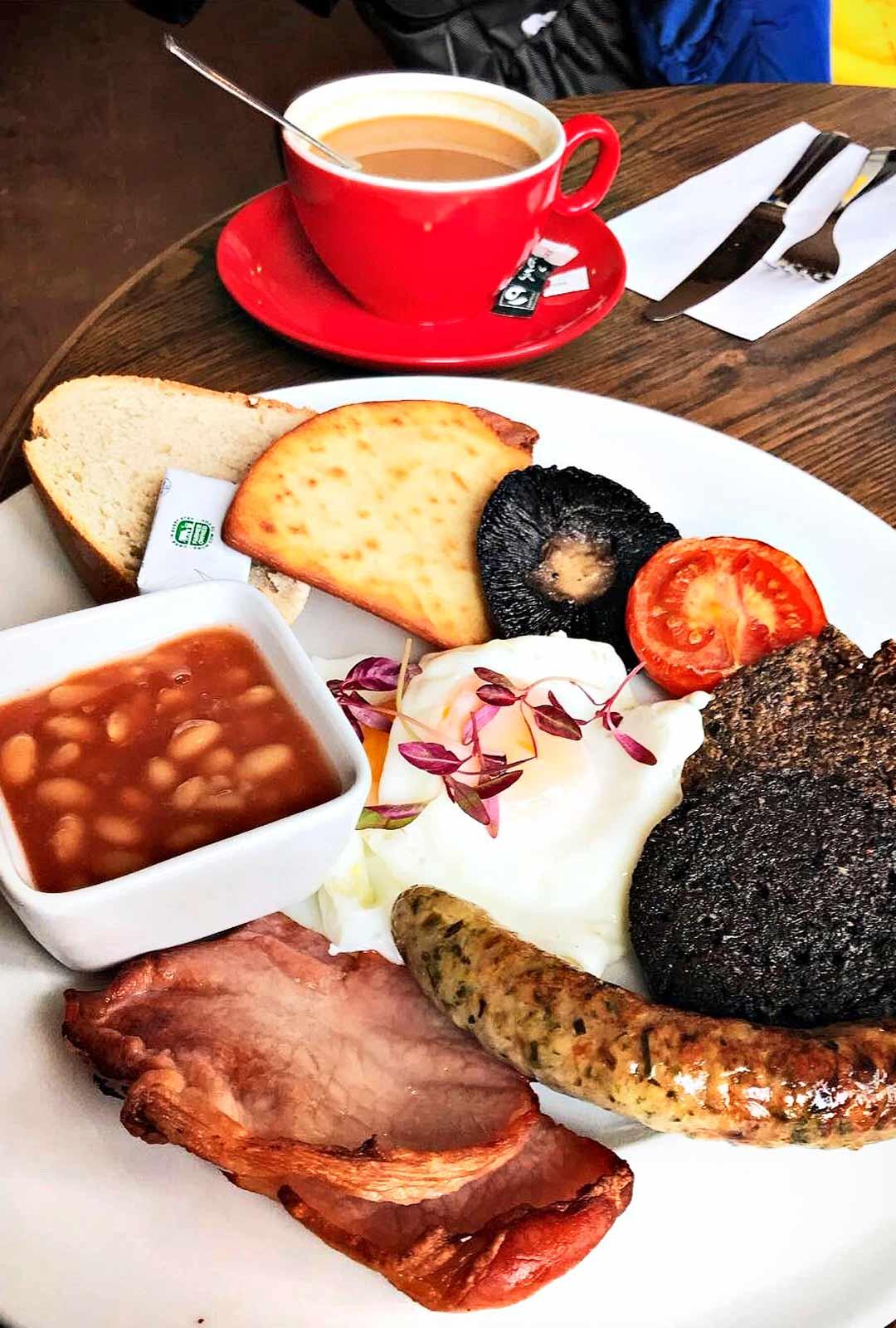 Skotlantilainen aamiainen