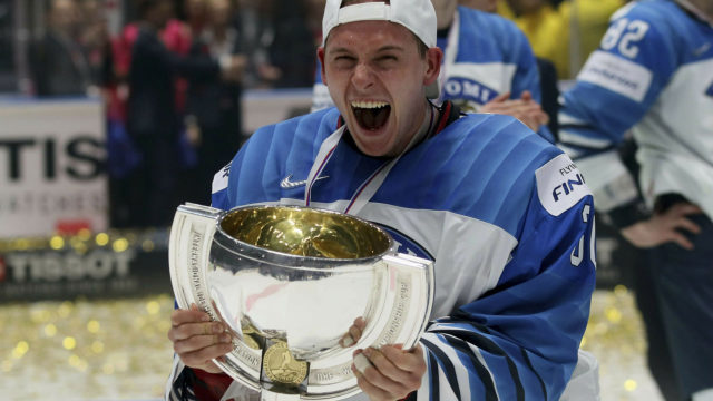 Kevin Lankinen torjui Suomelle kolmannen jääkiekon maailmanmestaruuden.