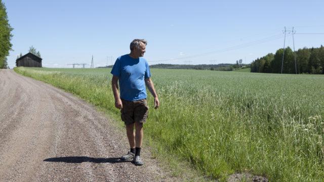 Hannu Rinnekarin tilalla on levitetty kipsiä yhteensä noin 15 hehtaarille peltoa.