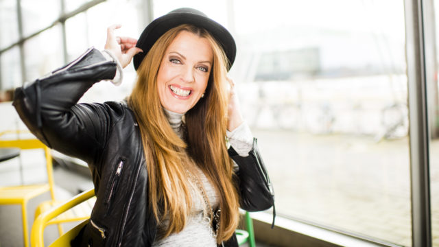 Laulaja Eini on Suomen oma diskokuningatar.