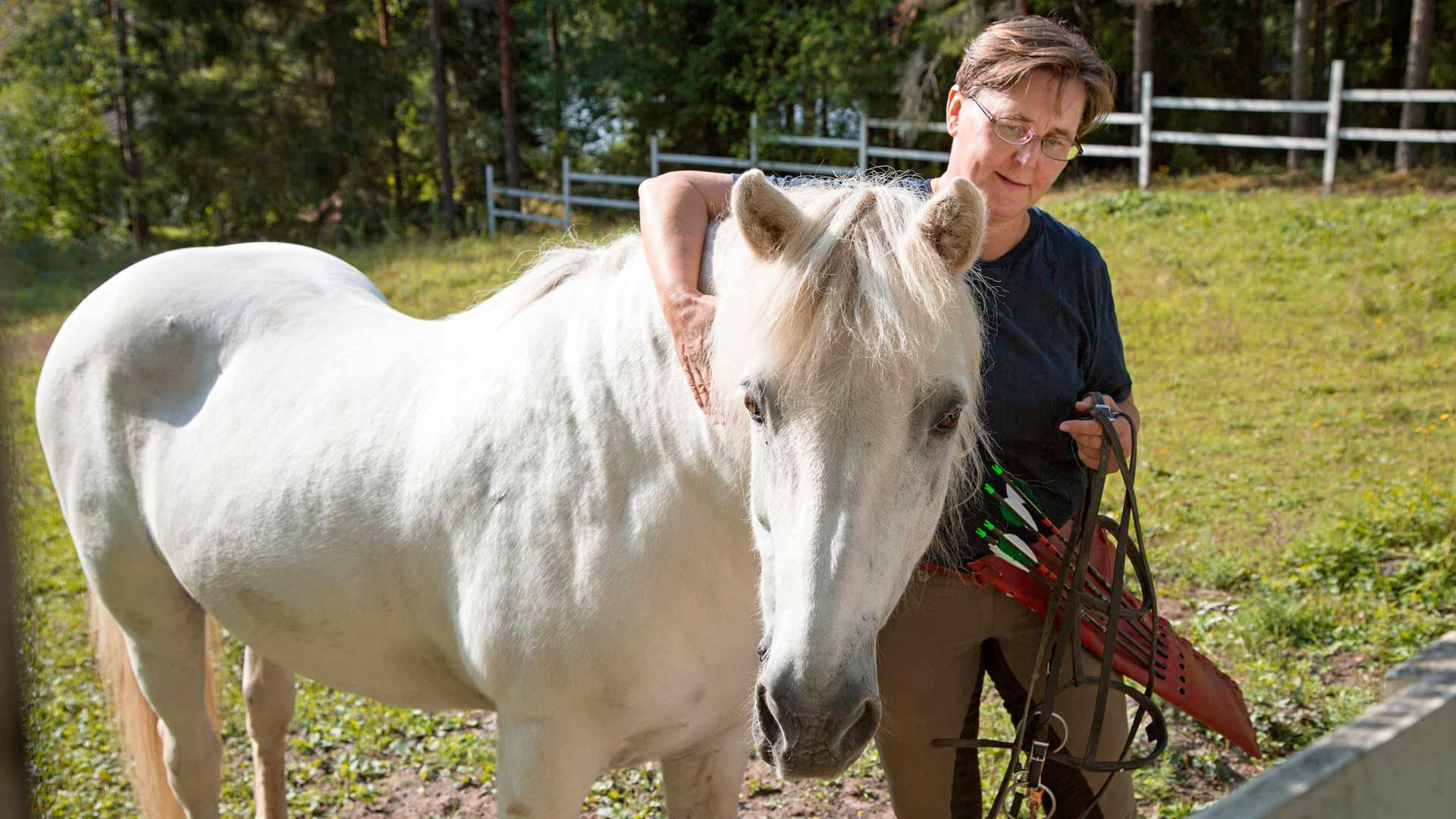 Marjut Turunen ja Frosti-hevonen