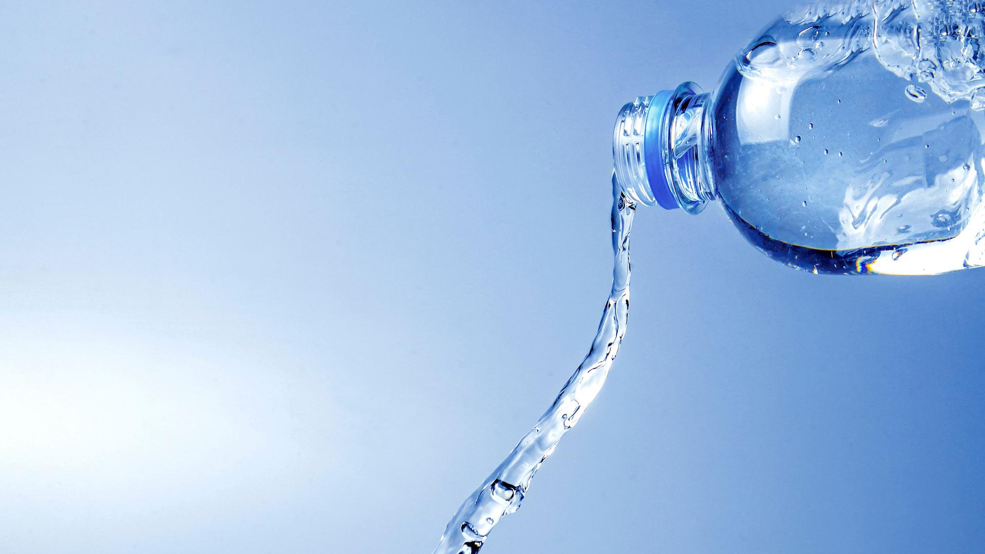 Veden juonti helteellä
