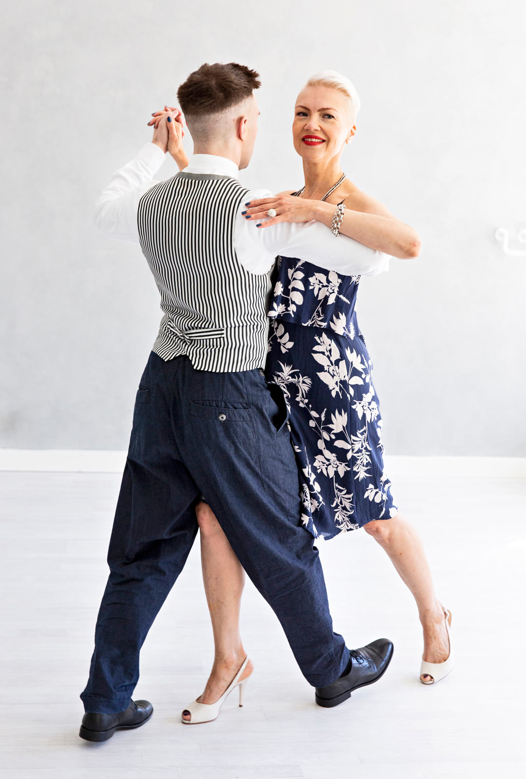 Toinen tanssiaskel, tango