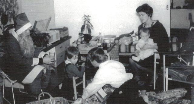 Pakkanen ensimmäisellä Joulupukki-keikallaan Rinteen perheessä jouluaattona 1961.