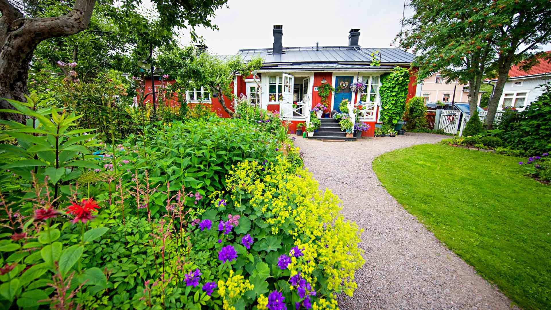 Villa Ilenna puutarha