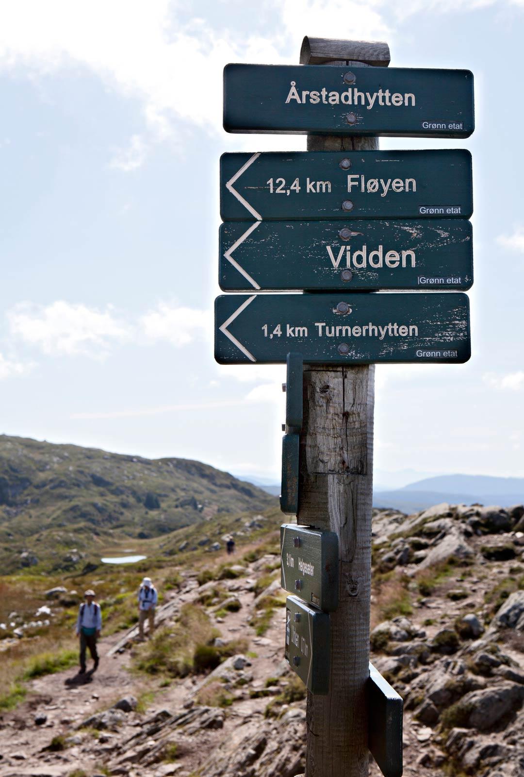 Bergenissä vaellusreiti on merkitty hyvin