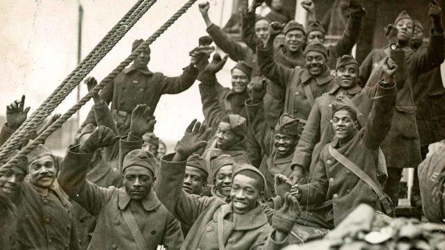 Historia: Harlemin sotasankarit