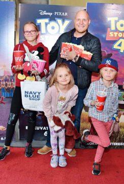 Kalle Palander ja lapset Oda-Sofia, Mona-Lisa ja Romeo