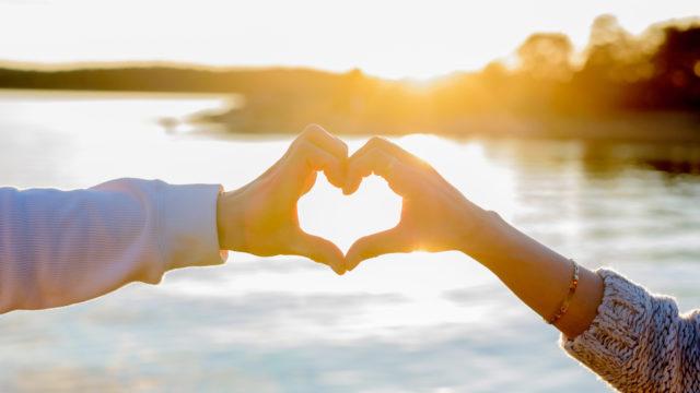 Seuran onnellisuuskyselyn vastausten perusteella viisi tärkeintä onnen lähdettä ovat: terveys, lapset ja lapsenlapset, puoliso, ystävät sekä luonto.