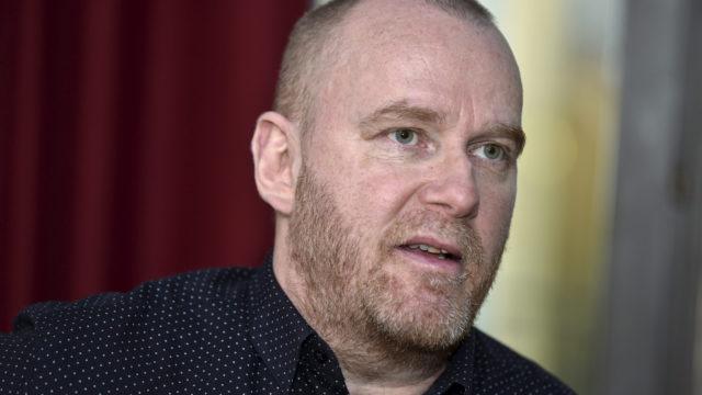 Toimittaja Petteri Sihvonen piinasi vuosia jääkiekkovalmentaja Erkka Westerlundia.