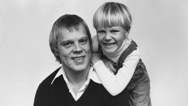 Vesa-Matti Loiri esikoispoikansa Janin kanssa.