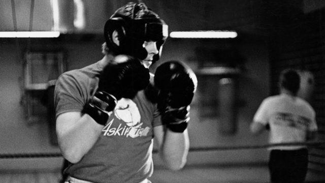Vesa-Matti Loiri nyrkkeilyharjoituksissaan marraskuussa 1970.