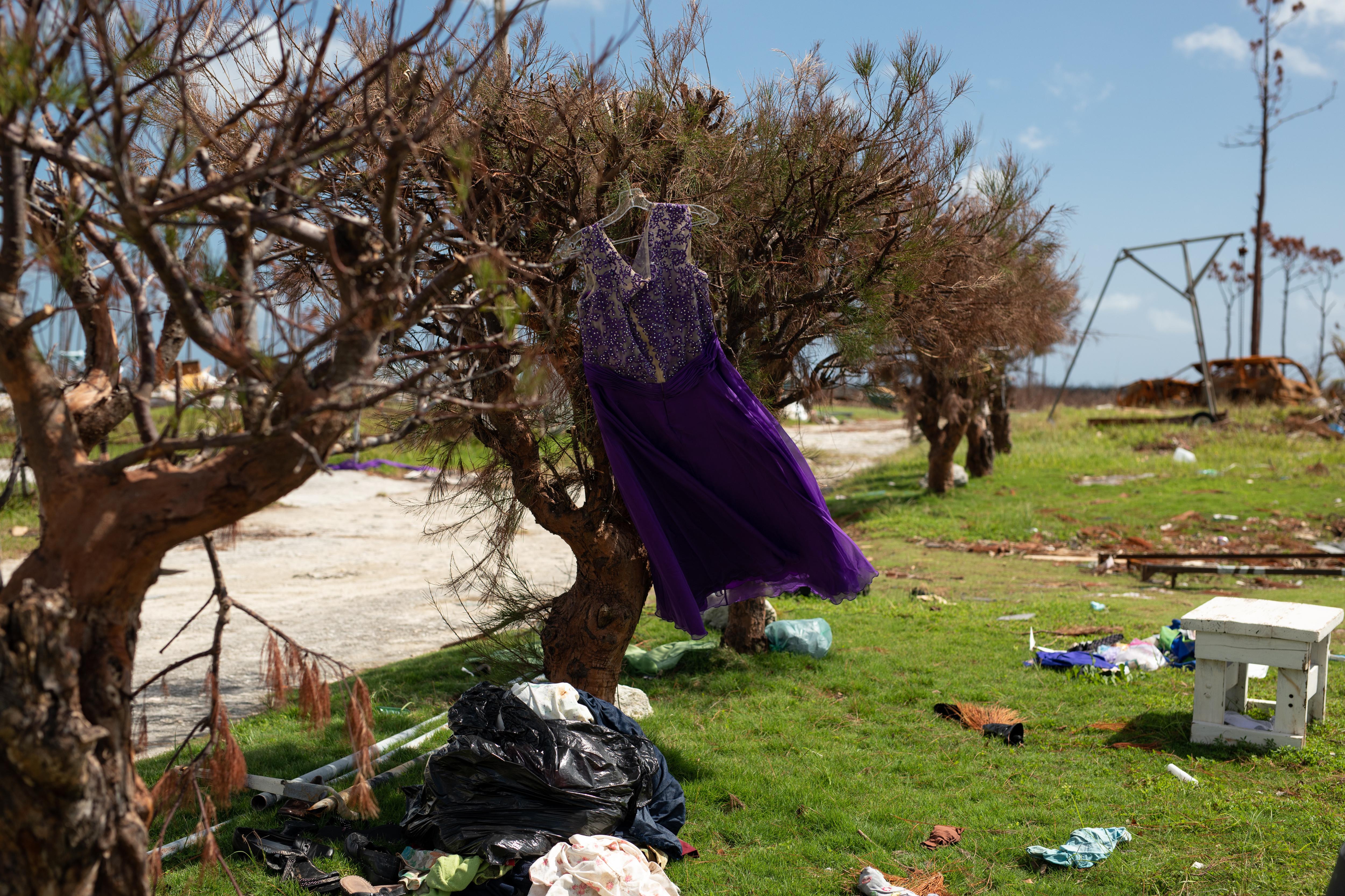 Hurrikaani Bahamalla tuhosi ihmisten koteja
