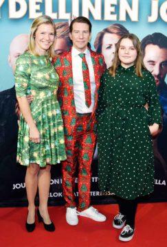 Aku Hirviniemi, tytär Annikki ja Sonja Kailassaari