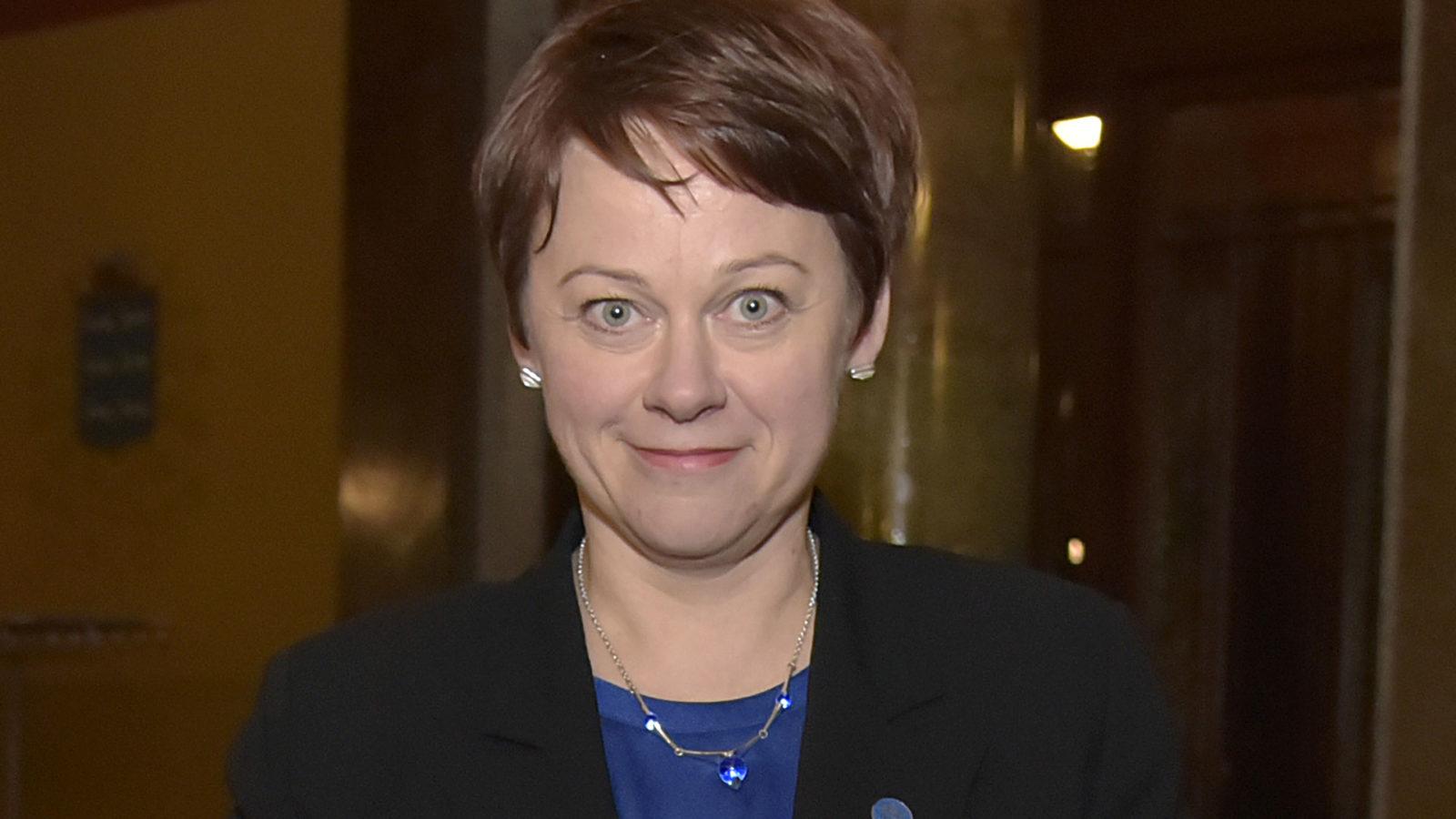 Suomalaisministeri pelkäsi säteilyä venäläisellä jäänmurtajalla  Halusi kiireesti...