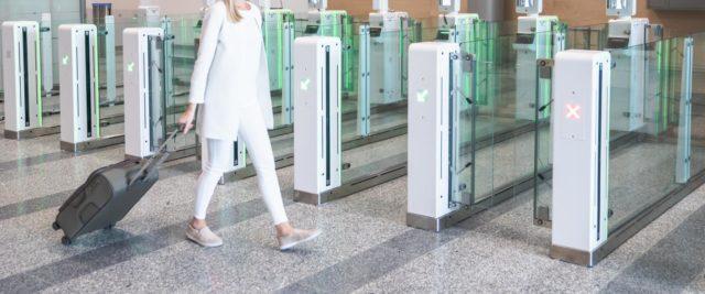 Automaattisia passintarkastuskoneita on useilla lentoasemilla.