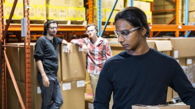 Joka viides työntekijä kokee tai epäilee joutuneensa itse työpaikallaan kiusatuksi.