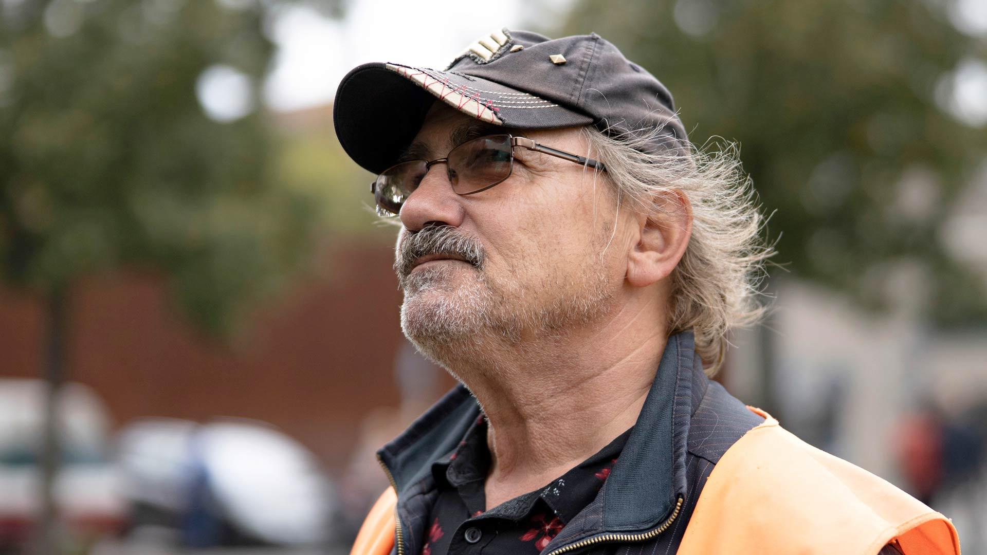Peter Barsch onnistui pakenemaann Itä-Saksasta syksyllä 1978. Nyt hän vetää muurista kertovia opasretkiä.