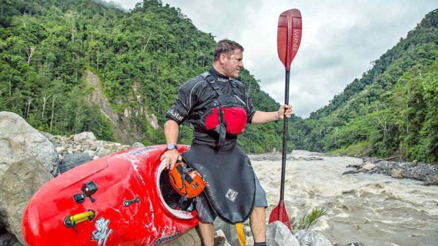 Steve Backshall matkustaa ympäri maailmaa.